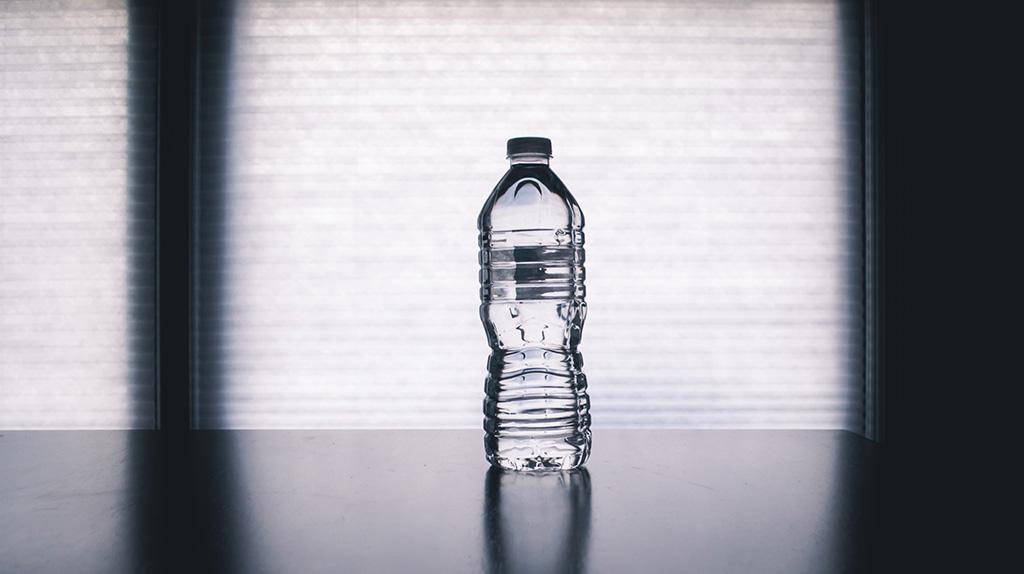 早起き苦手&一日中眠かったのに水をたくさん飲むようになってから寝起きが超スッキリになった話